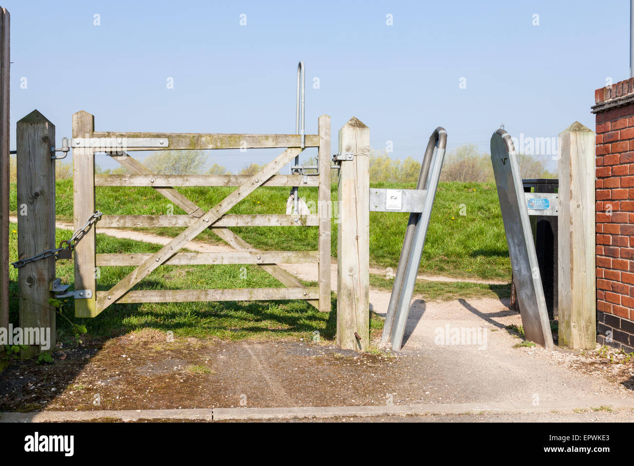 Frame Barrier Stock Photos & Frame Barrier Stock Images - Alamy