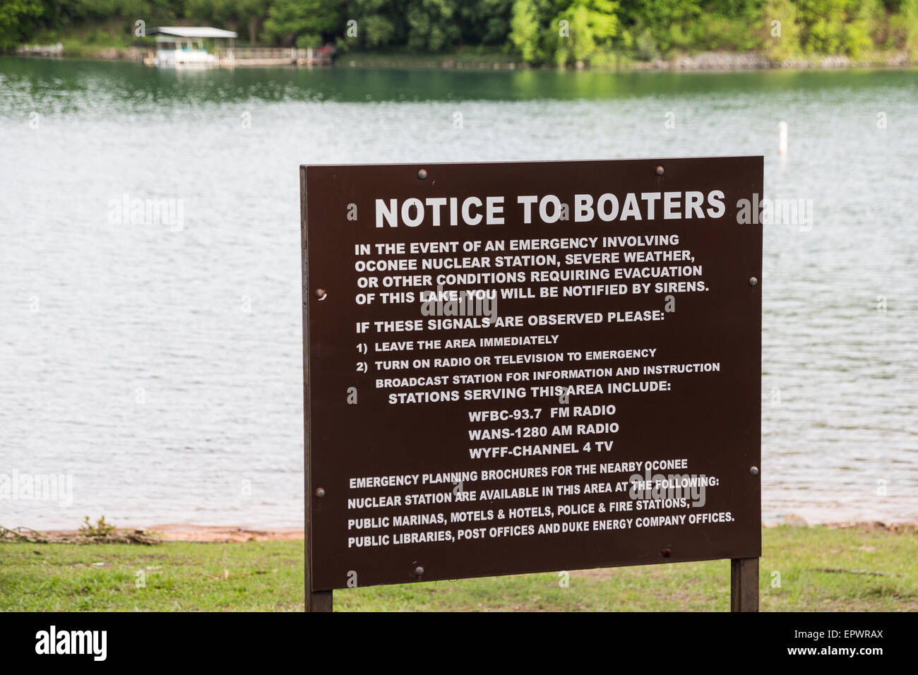 Notice to boaters, South Cove, Lake Keowee, Seneca, Oconee County, South Carolina, USA. - Stock Image