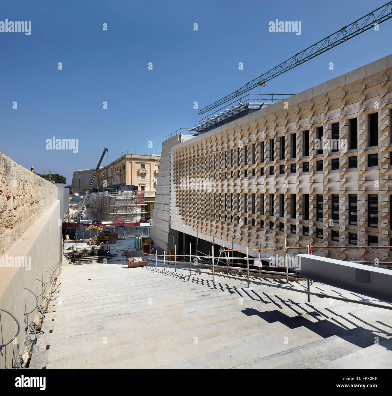 Work in progress on Valleta City Gates, Malta. - Stock Image