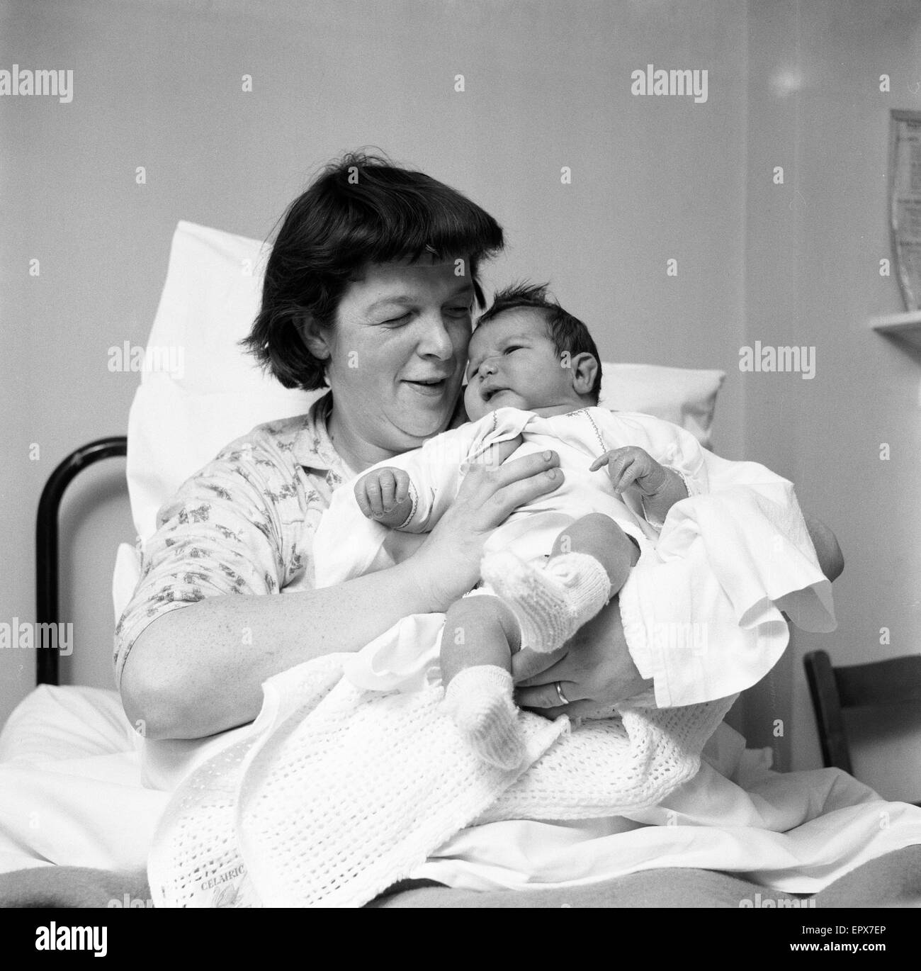 Annie Selina Pirie (34) from Lymington Hants, with her new born baby son Ian Keith Pirie, who weighed 15lbs 2ozs - Stock Image