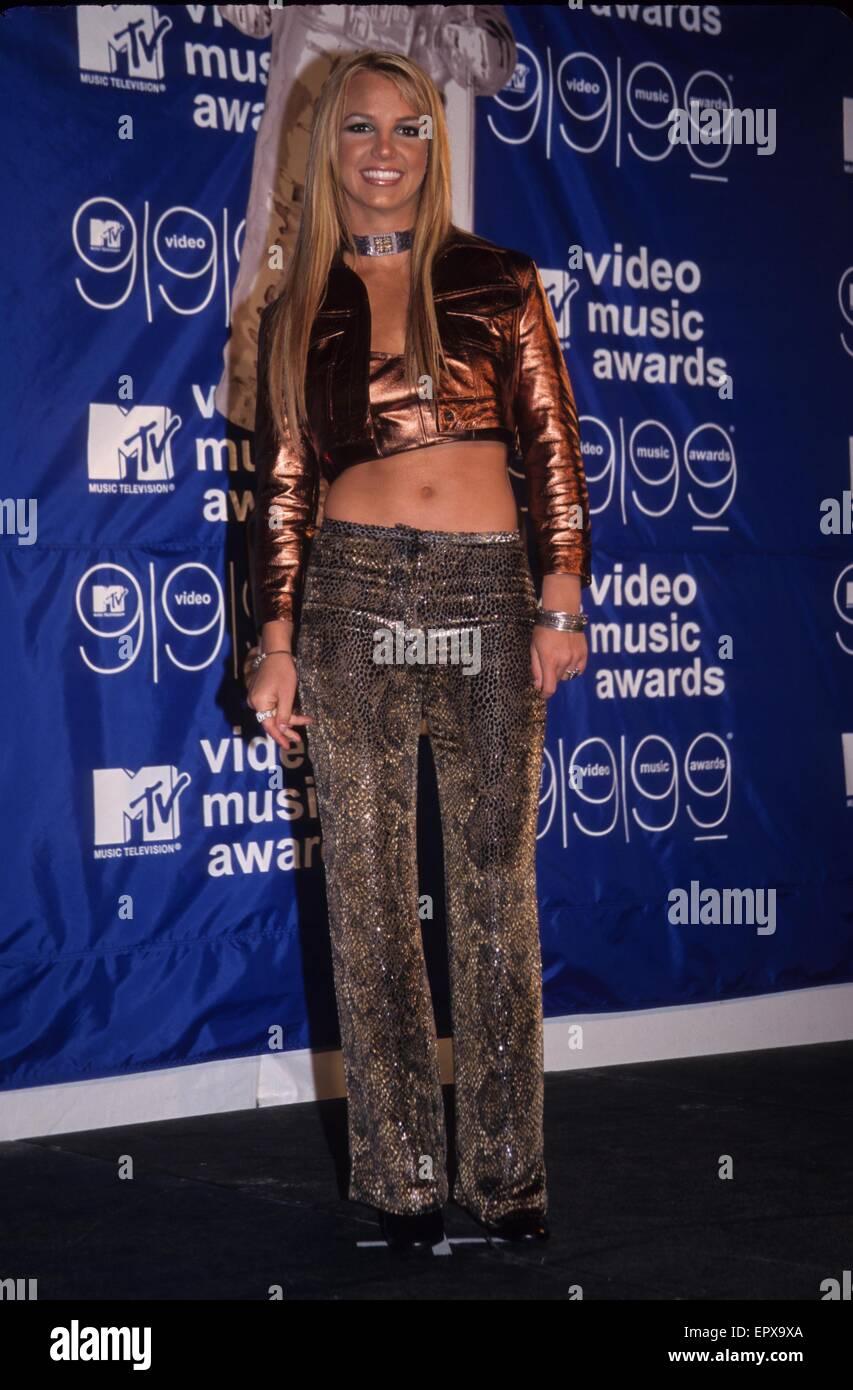 BRITNEY SPEARS At 1999 MTV Music Video Awards Metro Opera House New Yorkk16532kj C Kelly Jordan Globe Photos ZUMA Wire Alamy Live News