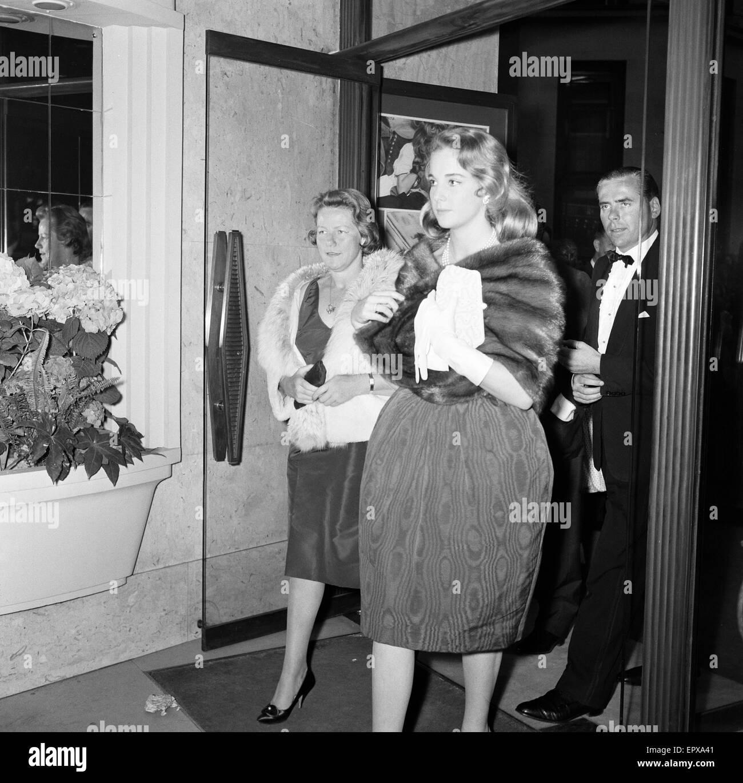The Unforgiven 1960, European Gala Film Premiere, Leicester Square, London, 9th June 1960. Bobo Sigrist, daughter - Stock Image