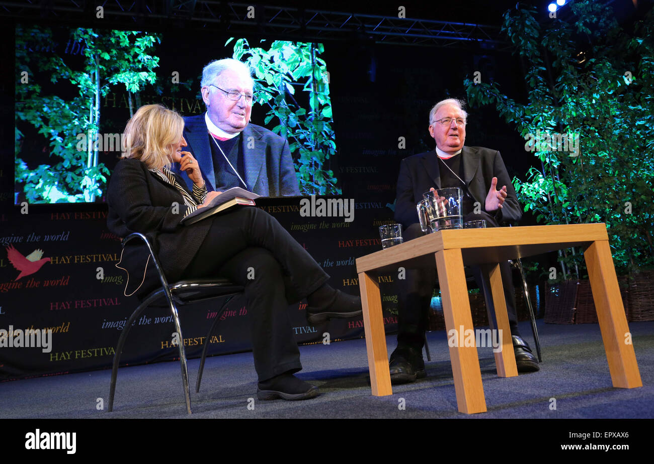 Hay on Wye, UK. Friday 22 May 2015  Pictured: Cardinal Cormac Murphy-O'Connor (R) talks to Rosie Boycott (L) - Stock Image
