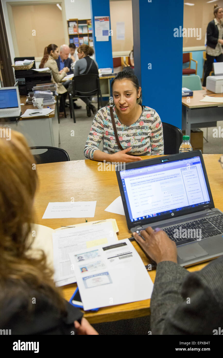 Detroit, Michigan - Counselors help immigrants with their applications for U.S. citizenship. - Stock Image