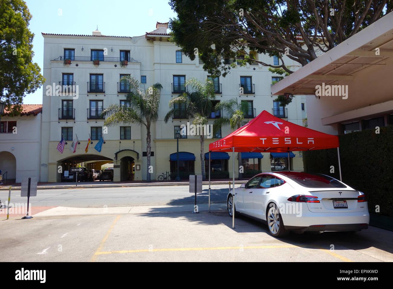 Santa Barbara, California USA- 22nd May, 2015 The first U.S. Tesla Motors pop up mobile store opens today in Santa - Stock Image