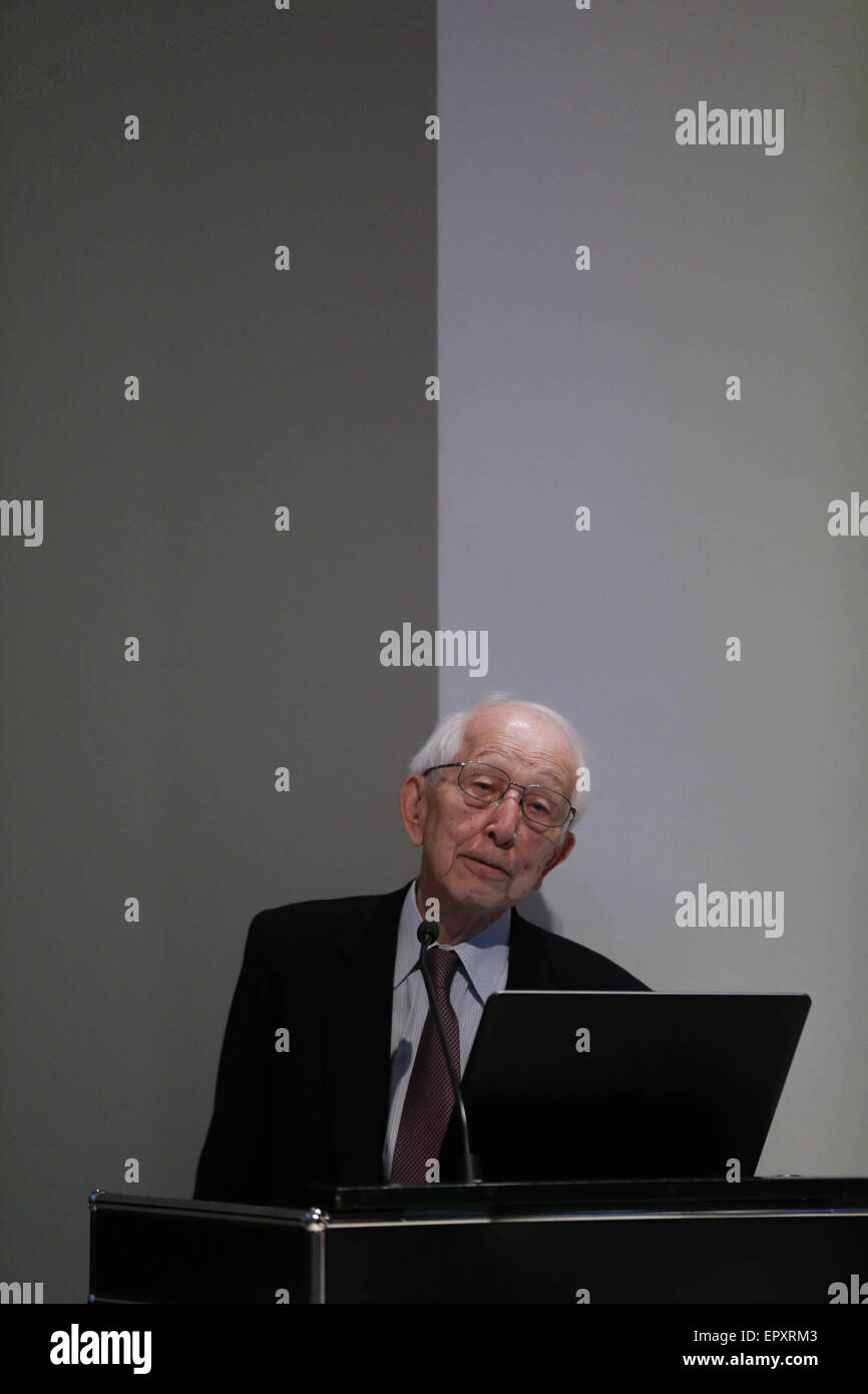 Frankfurt, Germany. 22nd May, 2015. Japanese architect and Pritzker laureate Fumihiko Maki speaks in German Architecture - Stock Image