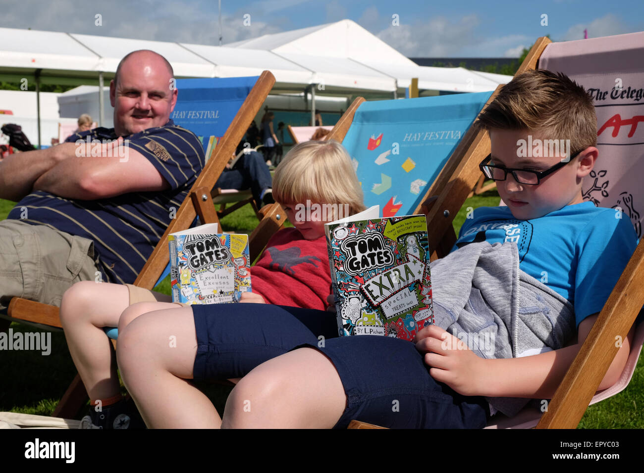 Hay Festival, Powys, Wales - May 2015 - The Harris family have traveled from Nottingham to attend this years Hay - Stock Image