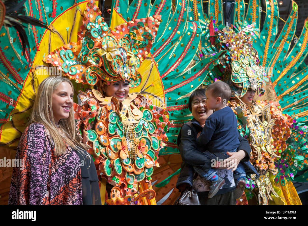 Indonesian dancers in costume - 16 May 2015 FestivalAsia, London (Lila Bhawa) - Stock Image