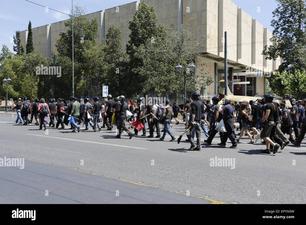 Athens, Greece. 23rd May 2015. The protesters march away from the German Embassz. A protest march by Greek anarchists - Stock Image