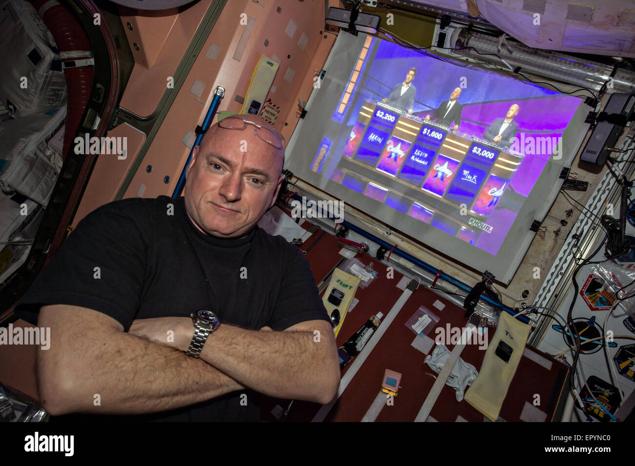 Expedition 43 NASA astronaut Scott Kelly shows his support for his twin brother former astronaut Mark Kelly as he - Stock Image
