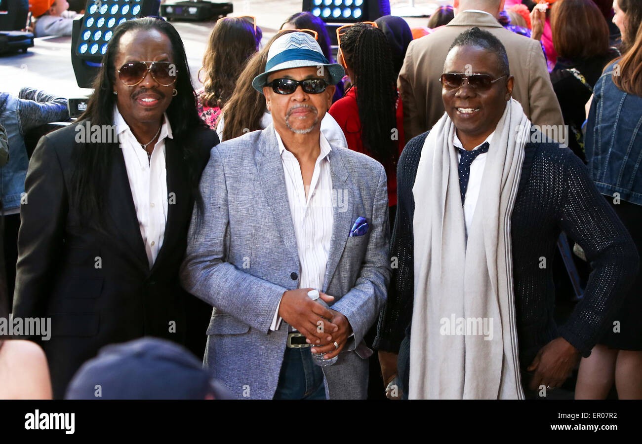 New York, USA. 22nd May, 2015. (L-R) Singer Verdine White, Ralph Johnson and Philip Bailey of Earth, Wind and Fire - Stock Image