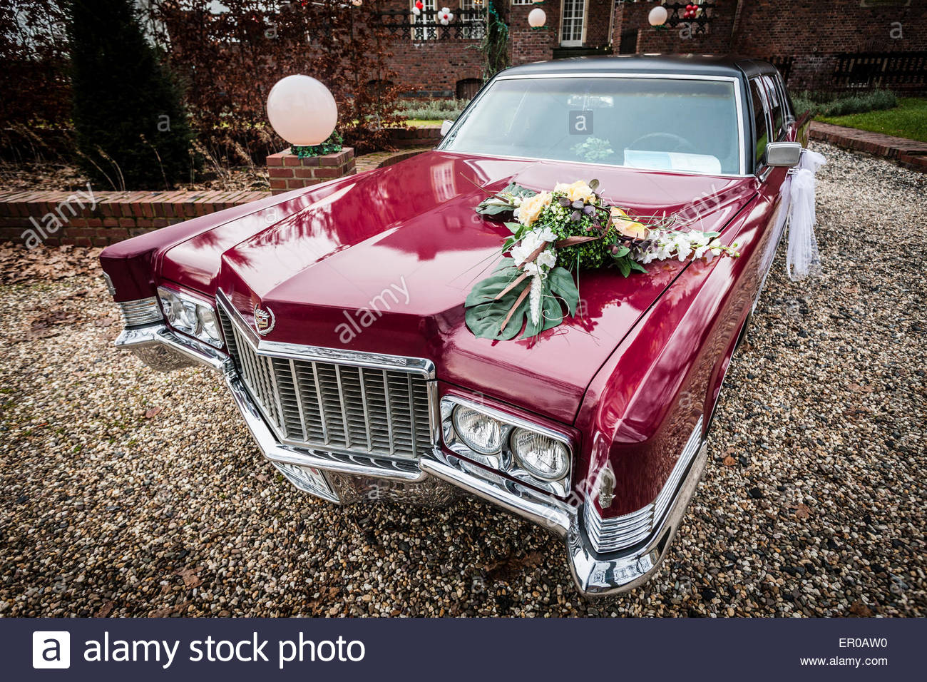 Wedding Car Decoration Stock Photo 82987100 Alamy