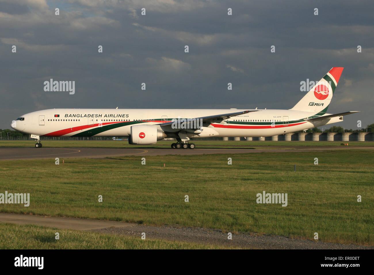 BANGLADESH BIMAN 777 - Stock Image