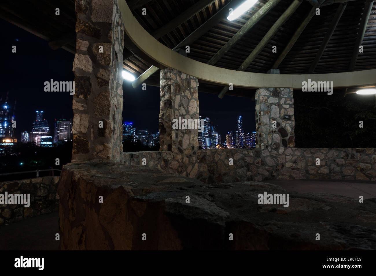 Brisbane City Skyline from Stone Rotunda at Night from Kangaroo Point - Stock Image