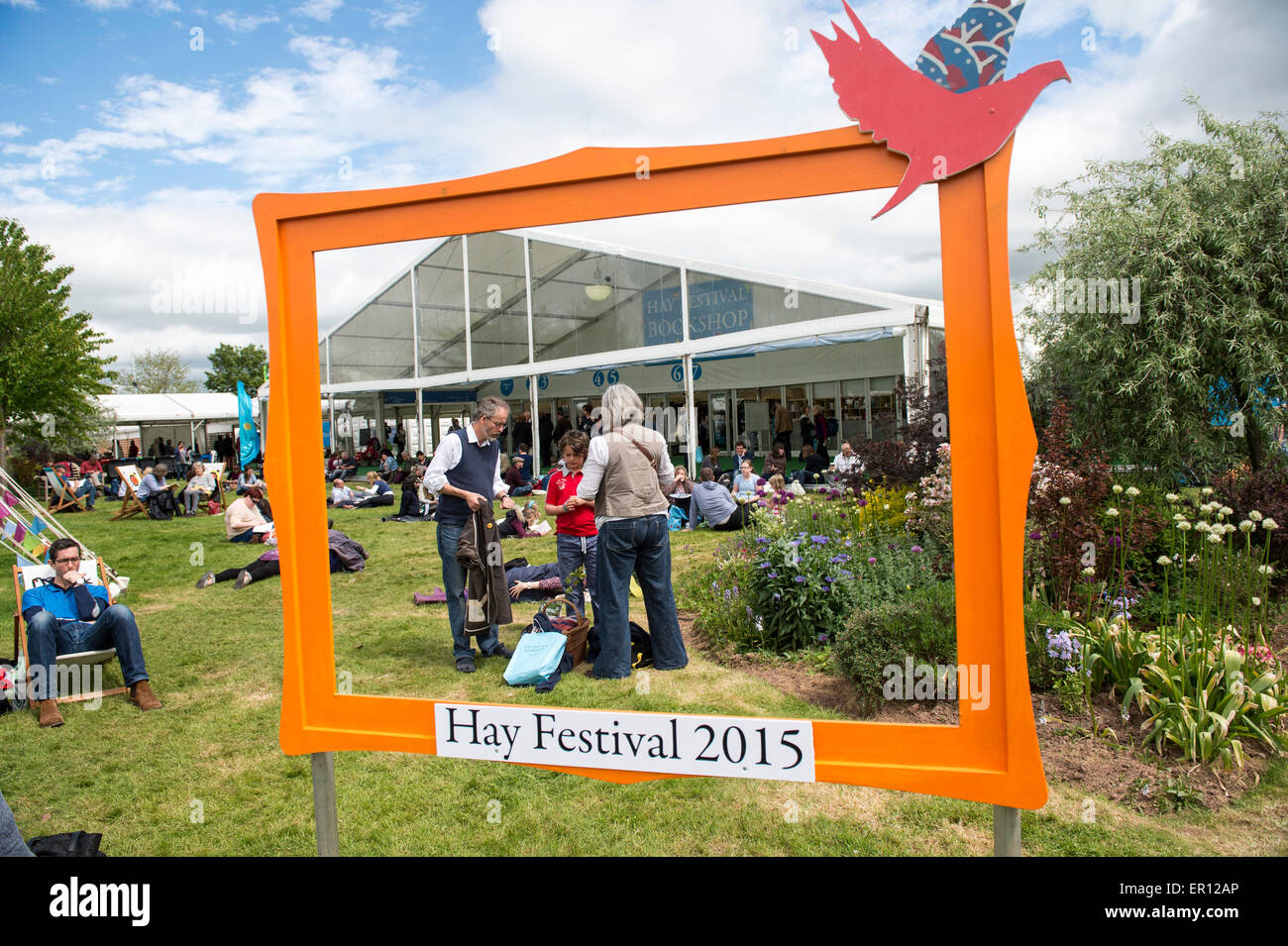 Hay-on-Wye, Wales, UK. 24th May, 2015. Festival goers at the Hay Festival on May 24, 2015 in Hay-on-Wye, Wales. - Stock Image