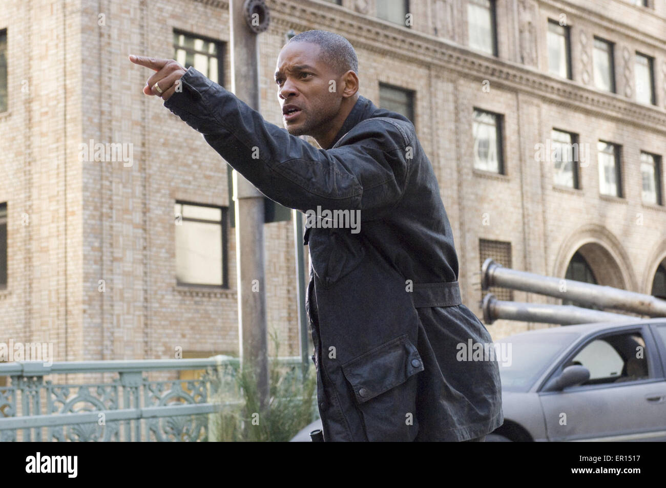 I Am Legend is a 2007 American post-apocalyptic science fiction horror film directed by Francis Lawrence and starring - Stock Image