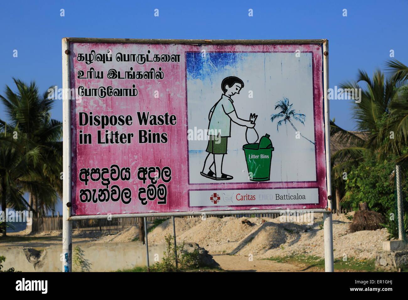 Dispose Waste in Litter Bins sign, Pasikudah Bay, Eastern Province, Sri Lanka, Asia - Stock Image