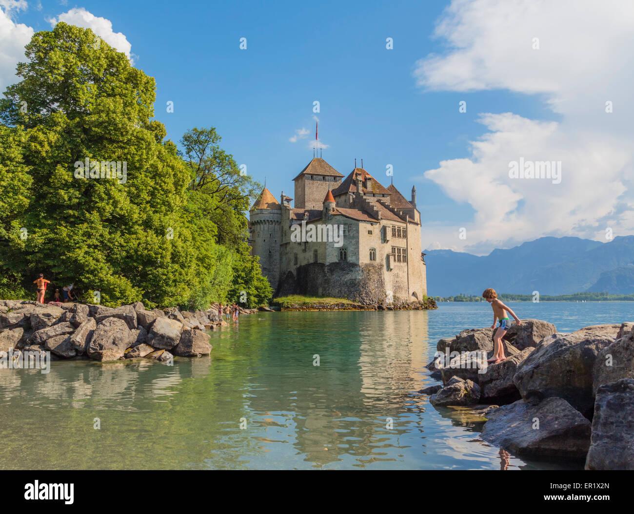 Veytaux, Vaud Canton, Switzerland.  Chateau de Chillon on shore of Lake Geneva (Lac Leman). - Stock Image