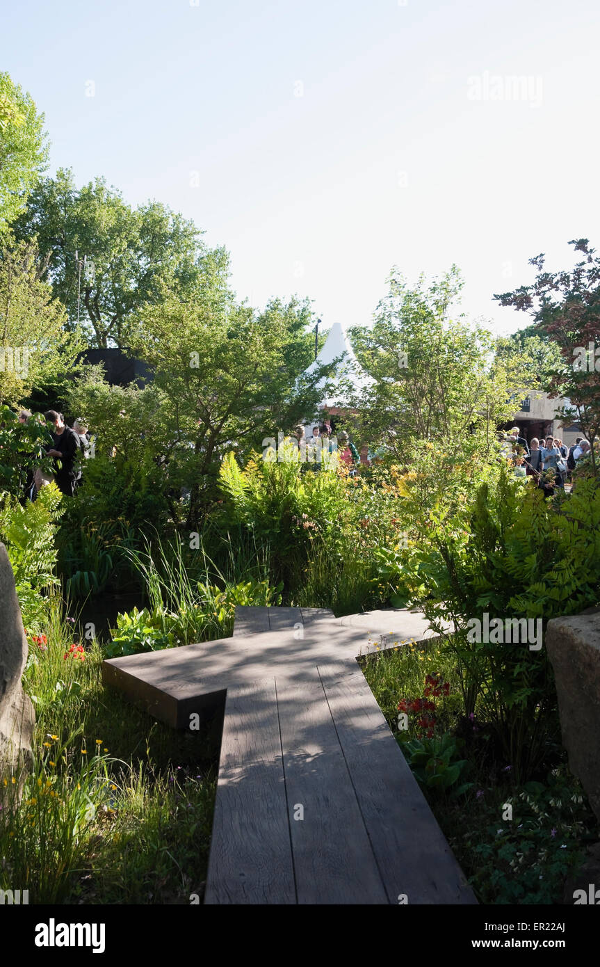 Chelsea Flower Show 2015: Dan Pearson's Rock Garden with Trout Stream, for Laurent-Perrier / Chatsworth.  Boardwalks - Stock Image