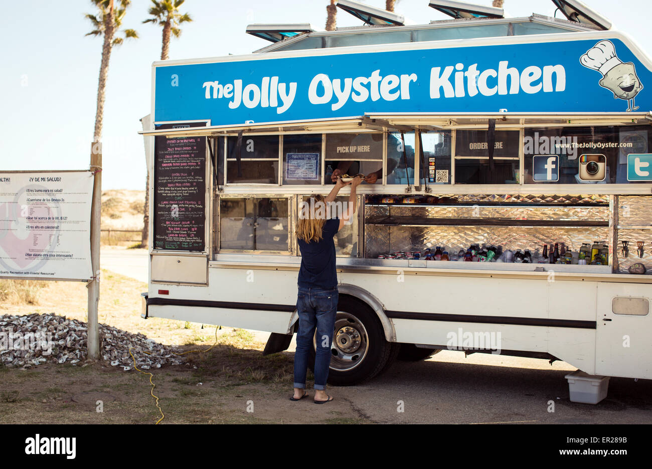 The Jolly Oyster food truck at the San Buenaventura State Beach in Ventura, California. - Stock Image
