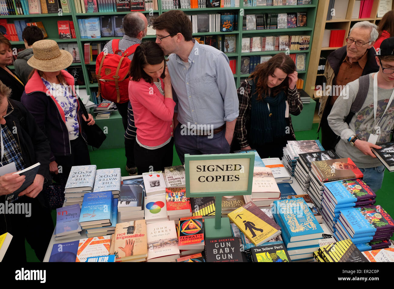 Hay Festival, Powys, Wales, UK. 25th May, 2015.  Love among the books - Crowds gather in the Hay Festival bookshop - Stock Image