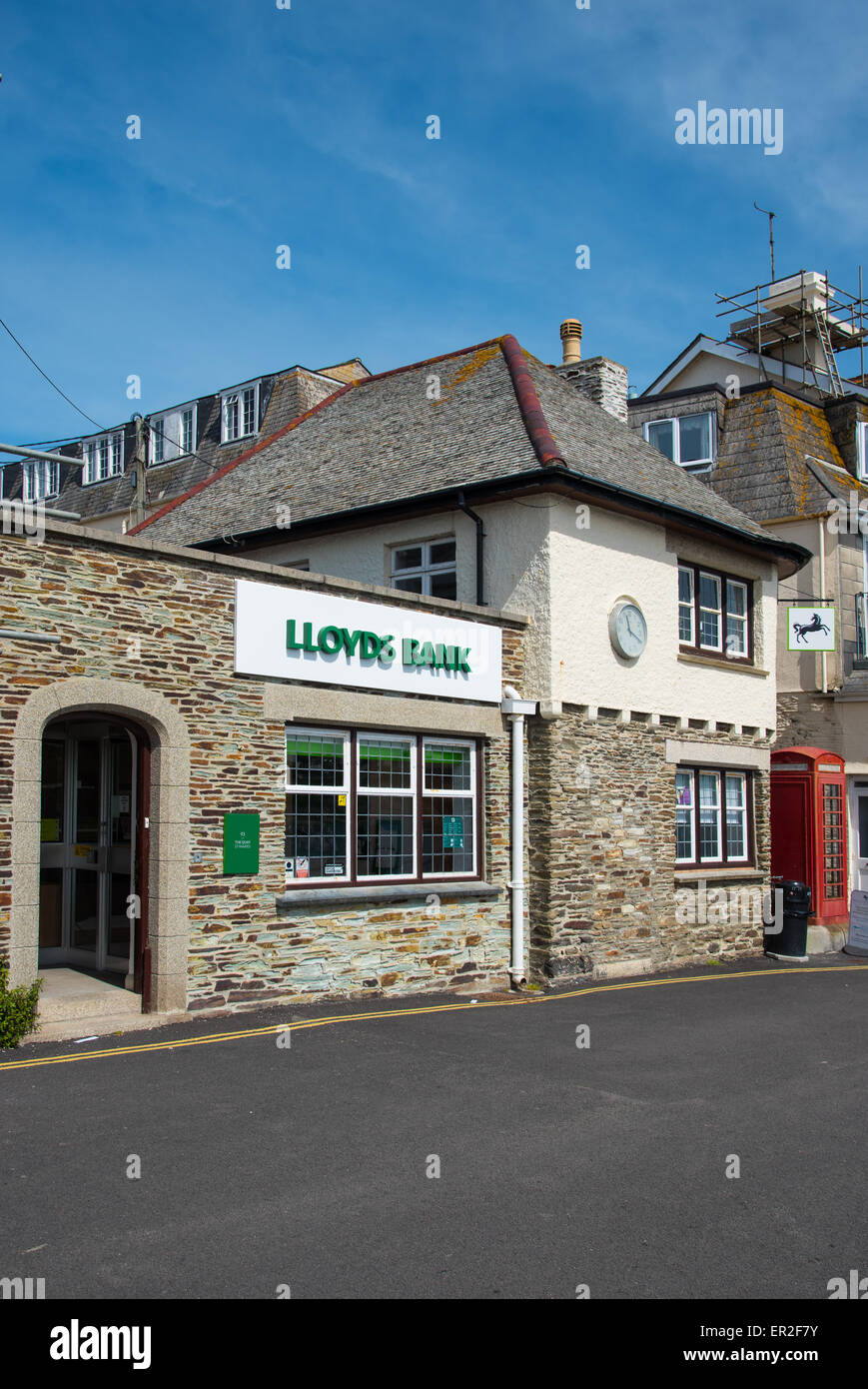 Lloyds Bank branch in St Mawes, Cornwall. - Stock Image