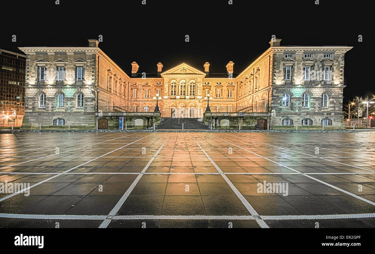 Custom House Belfast Square at night - Stock Image