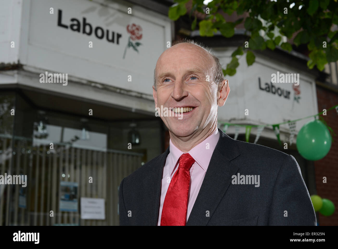 Wentworth & Dearne MP John Healey outside his Wath-Upon-Dearne office near Rotherham, UK. Photo by Scott Bairstow/Alamy Stock Photo
