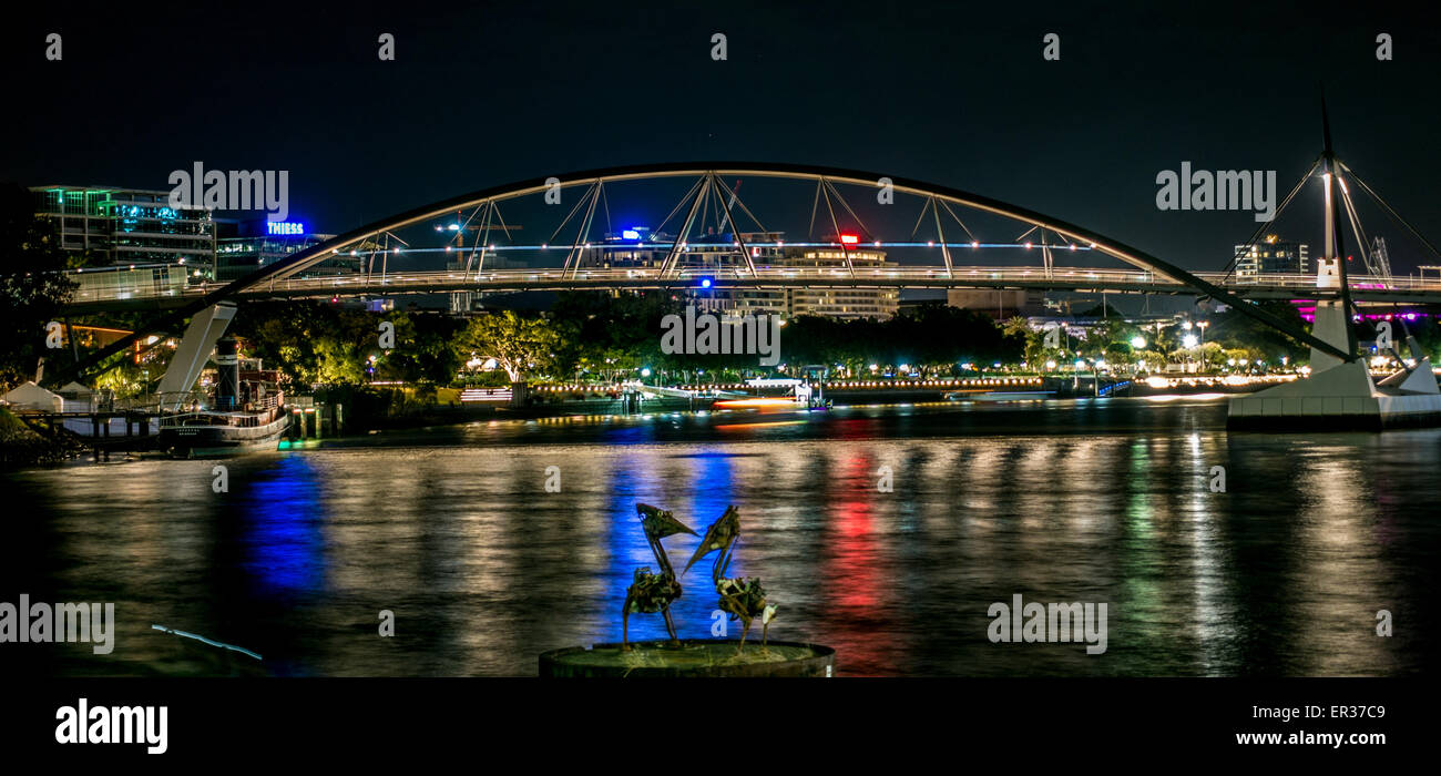 Goodwill Bridge on the Brisbane River at night - Stock Image