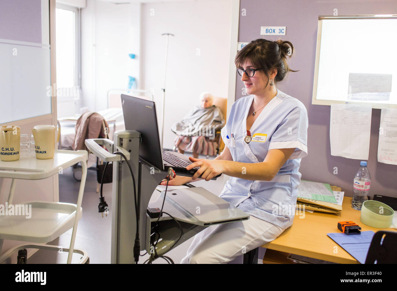Nurse Rheumatology Department of Bordeaux hospital, France. - Stock Image
