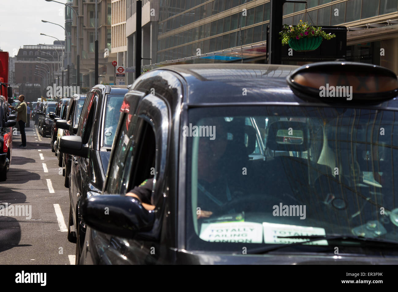 Victoria, London, UK. 26th May, 2015.  London's cabbies protest near Transport For London's HQ in Victoria against Stock Photo