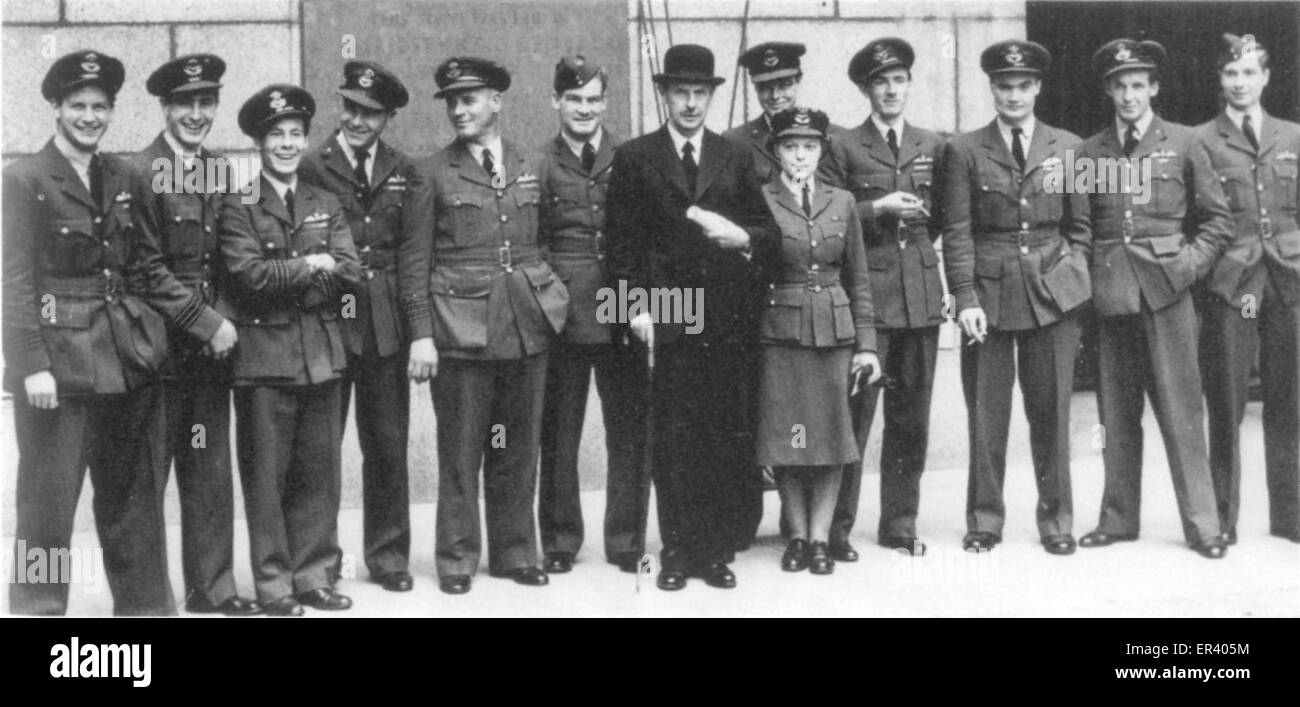 Air Chief Marshal Sir Hugh Dowding and an aide with several Battle of Britain fighter pilots - Stock Image