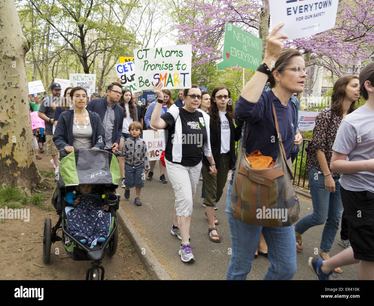 Newtown residents at Third Annual Brooklyn Bridge March and Rally to End Gun Violence Now organized by Moms Demand - Stock Image