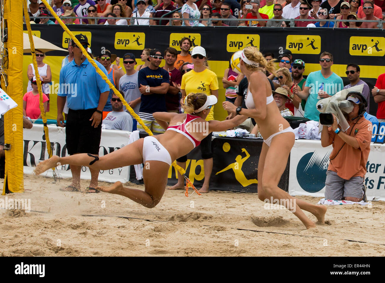 May 24, 2015 - April Ross dives to get the ball during the AVP New Orleans Open at Lake Pontchartrain in Kenner, - Stock Image