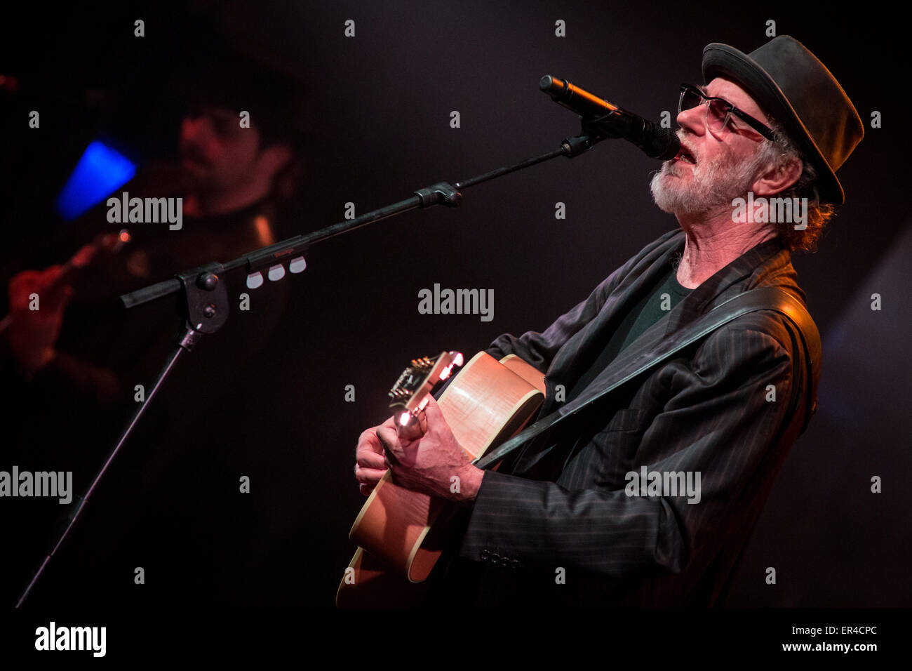 Varese Italy. 26 May 2015. The Italian singer/songwriter FRANCESCO DE GREGORI performs live at Teatro di Varese Stock Photo