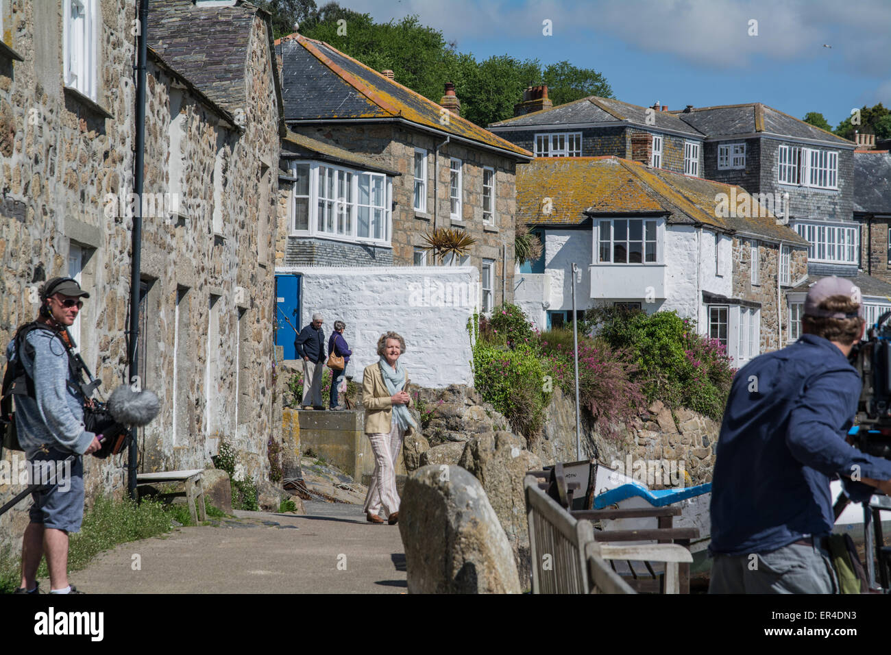 Mousehole, Cornwall, UK. 27th May 2015. Television actress Penelope Keith filming the second series of 'Secret - Stock Image