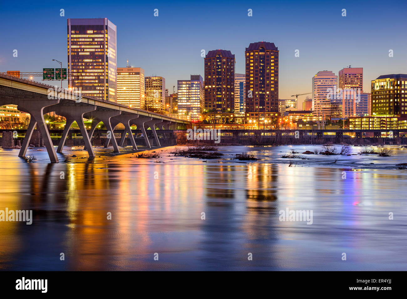 Richmond, Virginia, USA skyline on the James River. - Stock Image