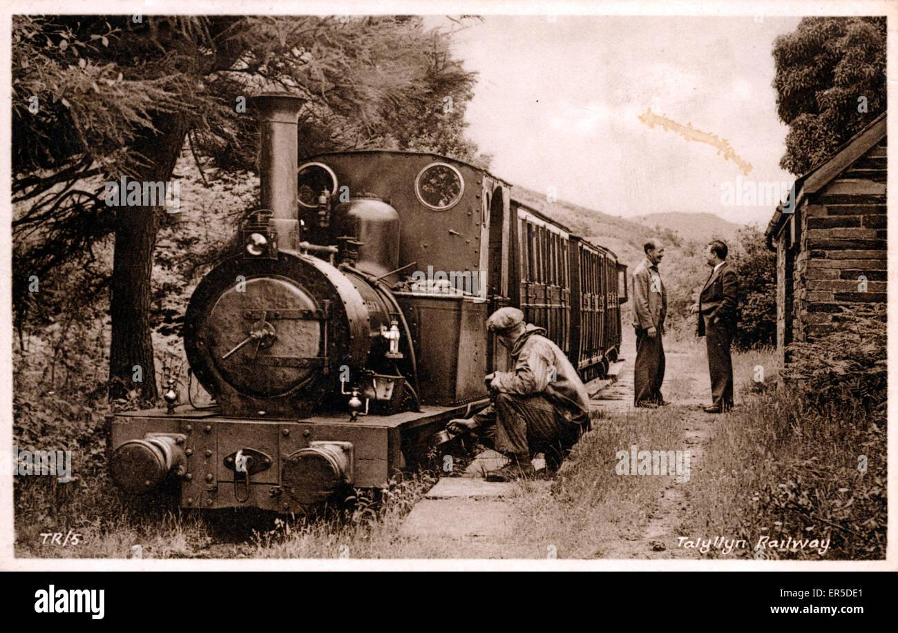 Brynglas Station, Bryncrug, near Aberystwyth, Cardiganshire, Wales. Talyllyn Railway - Dolgoch Locomotive 1865  - Stock Image