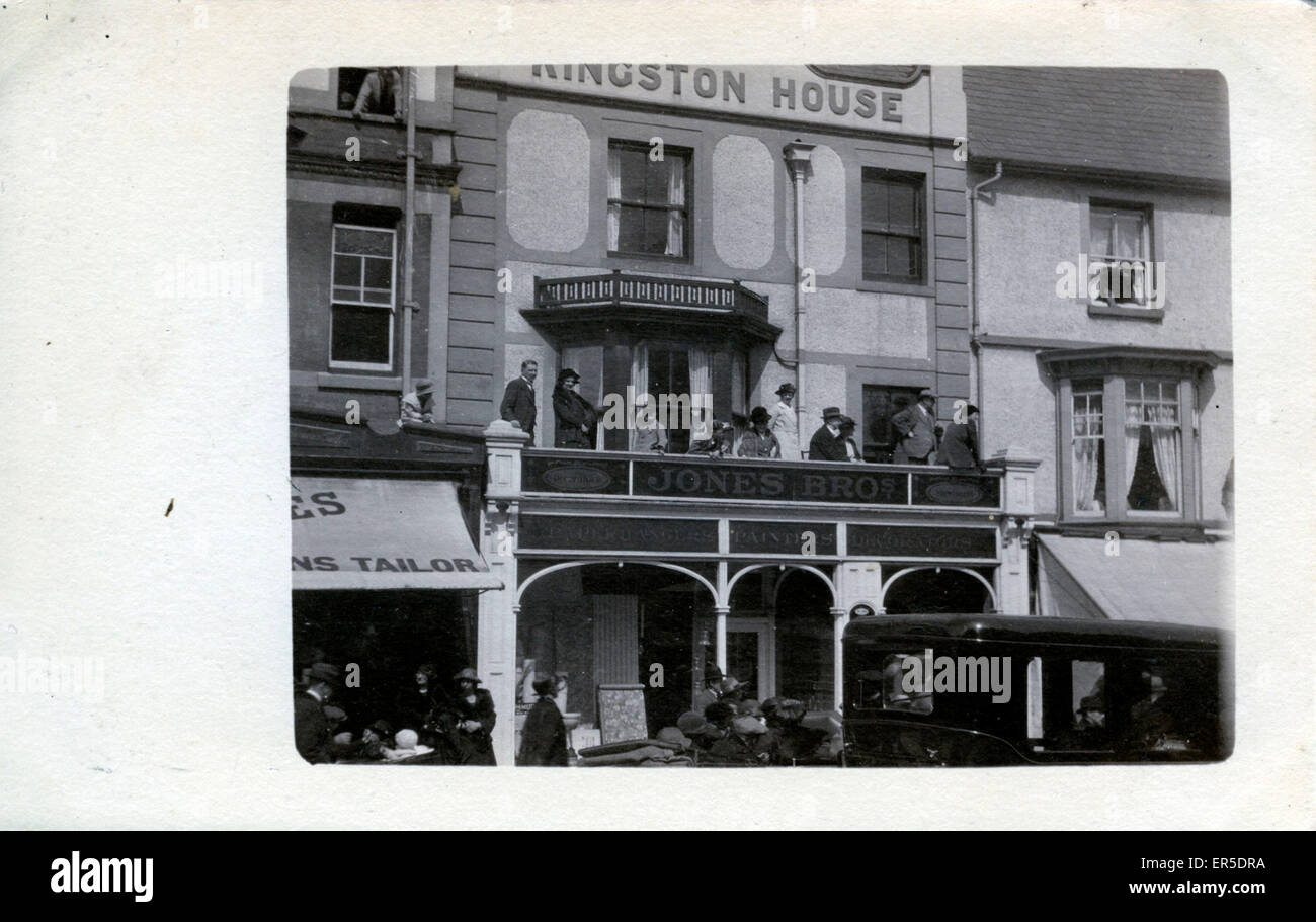 Kingston House, Colwyn Bay, near Rhos on Sea, Conwy/Clwyd, Wales. Showing Jones Bros - Painters & Decorators - Stock Image