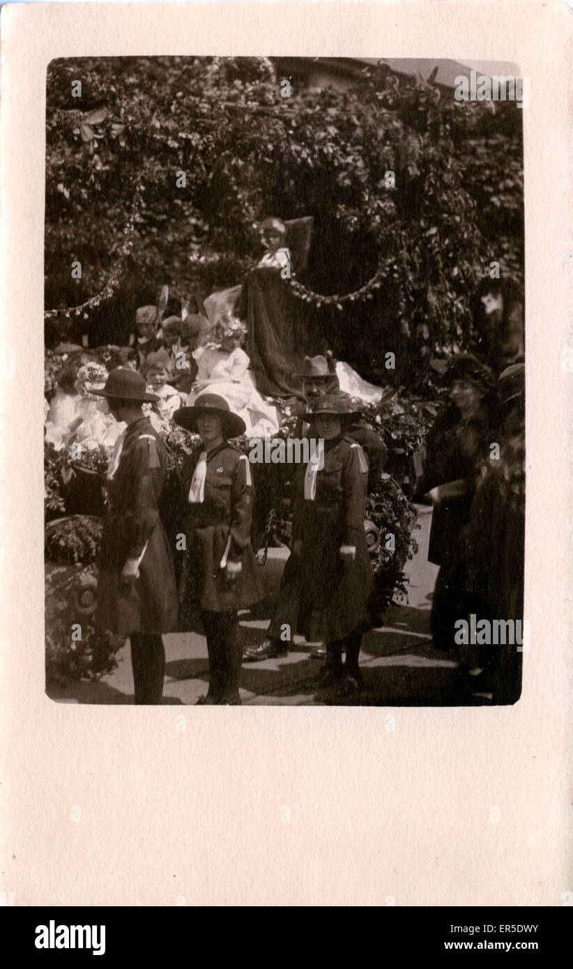May Queen, Colwyn Bay, near Rhos on Sea, Conwy/Clwyd, Wales. Showing Girl Guides  1920s - Stock Image