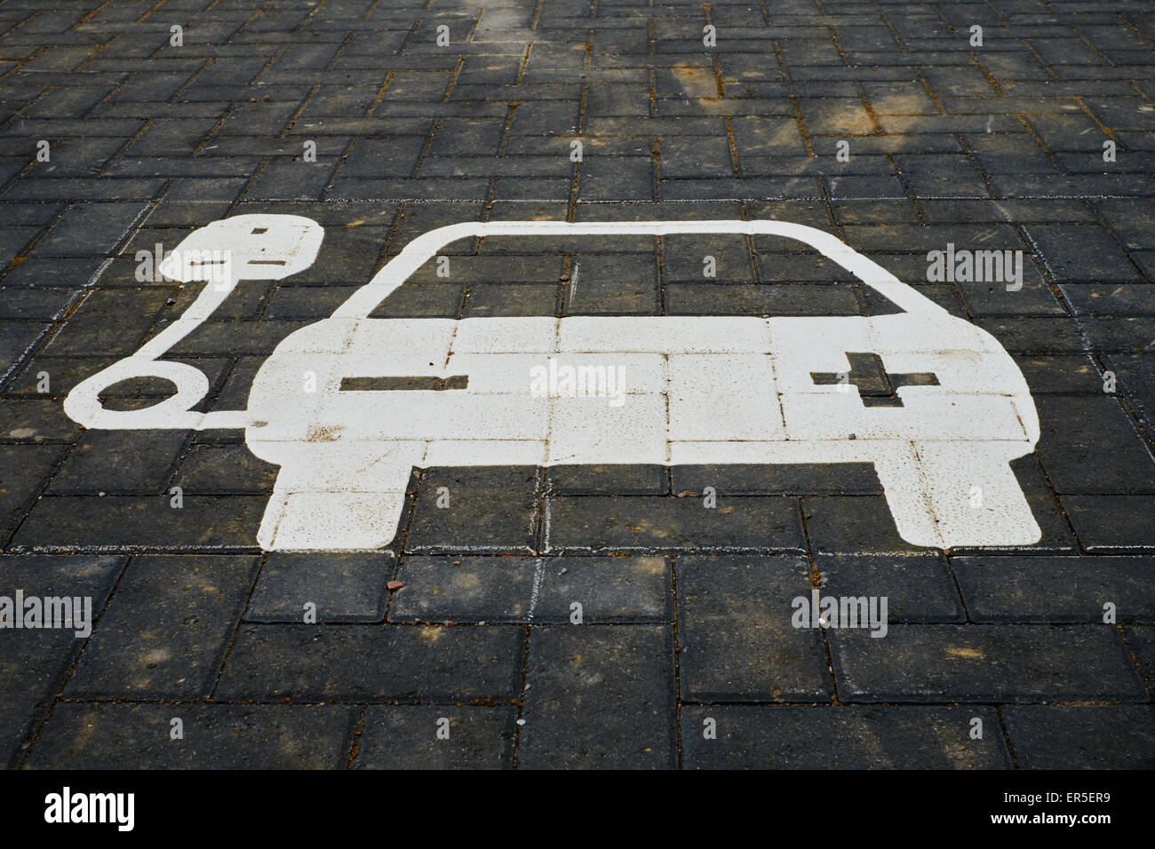 Electric car recharge station sign - Stock Image