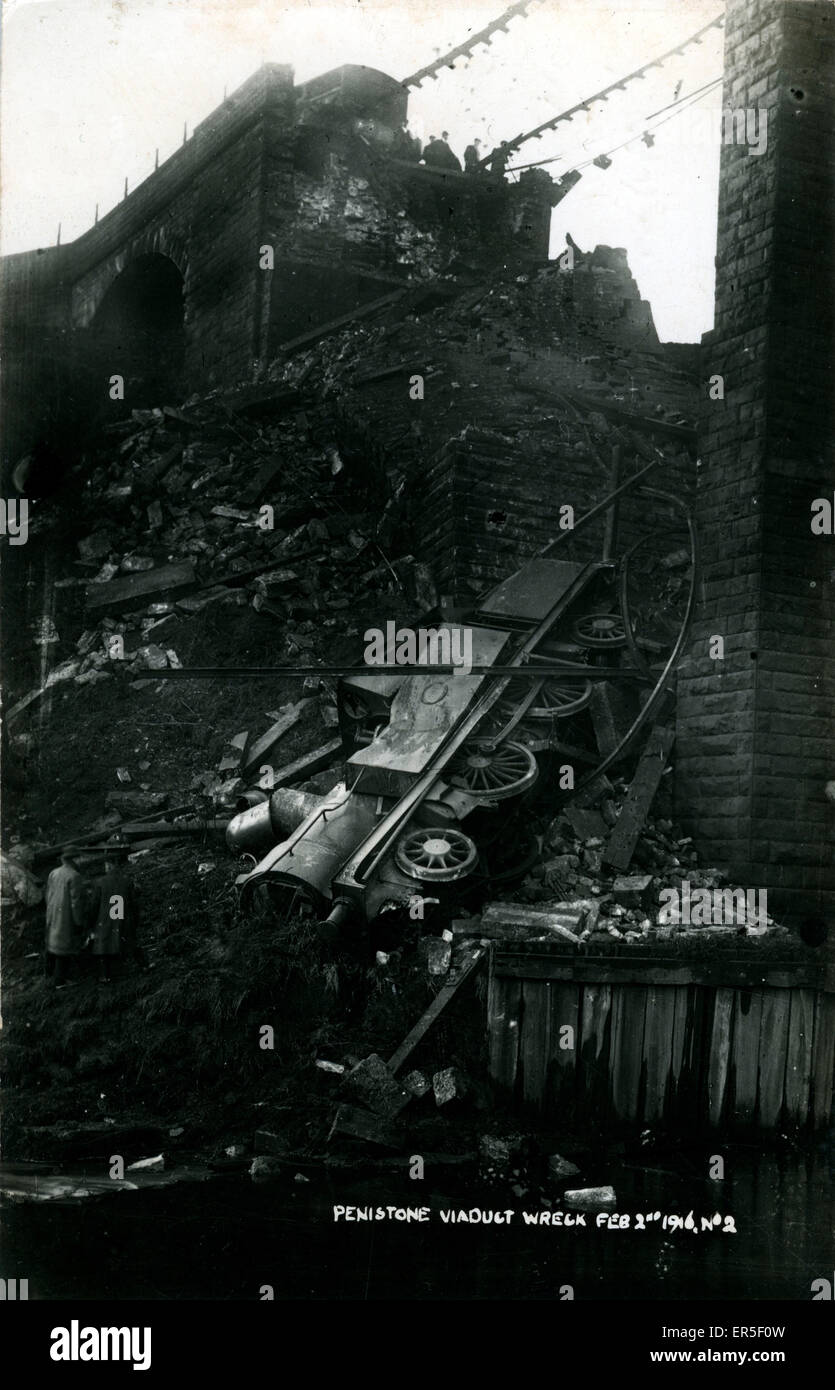 Railway Viaduct and Train Disaster, Penistone, Sheffield, near Thurlstone, Yorkshire, England. Lancashire & - Stock Image