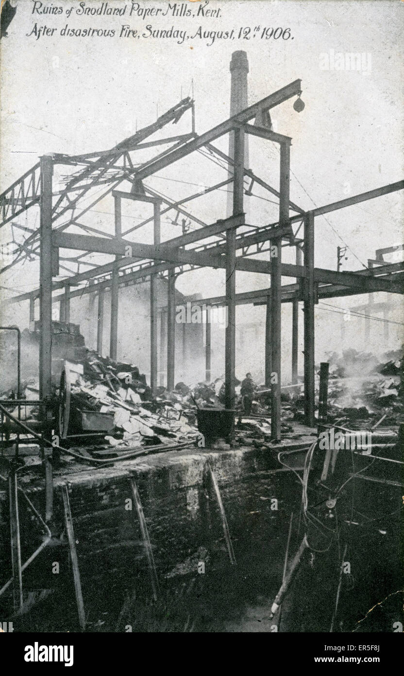The Paper Mill Disaster, Snodland, near Maidstone, Kent, England. Showing Damage from the Fire - August 12th  1906 - Stock Image