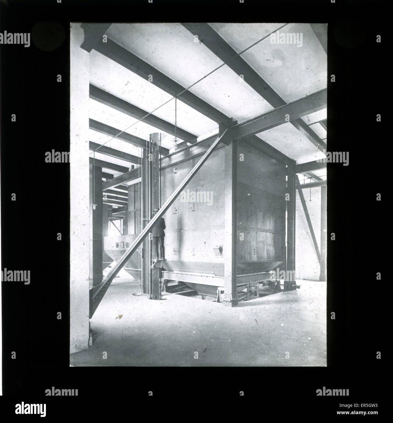 Factory Hopper, England.  1910s - Stock Image
