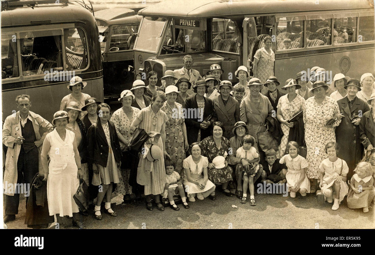 AEC Regal Vintage Bus and Passengers, England.  1930s - Stock Image