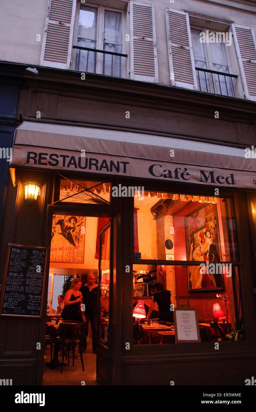 Restaurant Cafe Med at night, Ile St. Louis, Paris, France, Europe - Stock Image