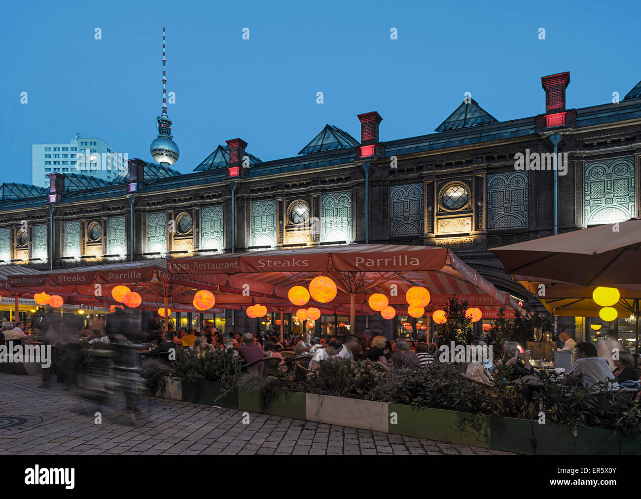Hackescher Markt in summer, tourist magnet with cafes and restaurants, Berlin, Germany - Stock Image