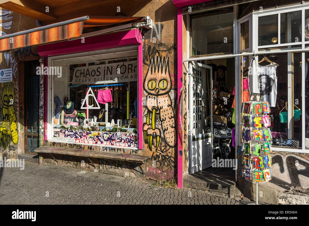 Street Cafe, Club Scene, Chaos in Form Shop, Falkenstein Street near Oberbaum Bridge, Kreuzberg, Berlin, Germany - Stock Image