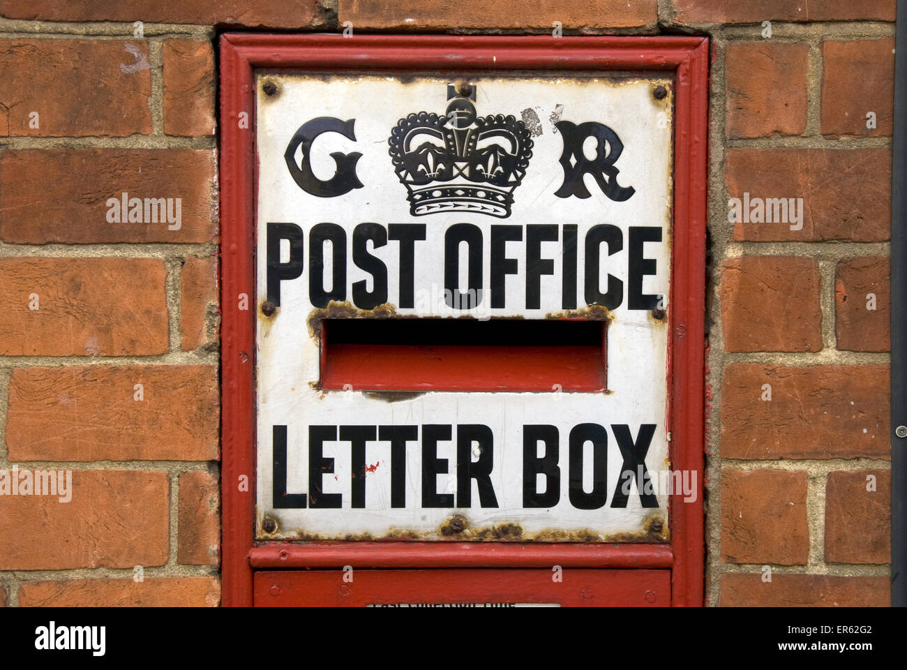 Traditional posting box, Lavant Street, Petersfield, Hampshire, UK. - Stock Image