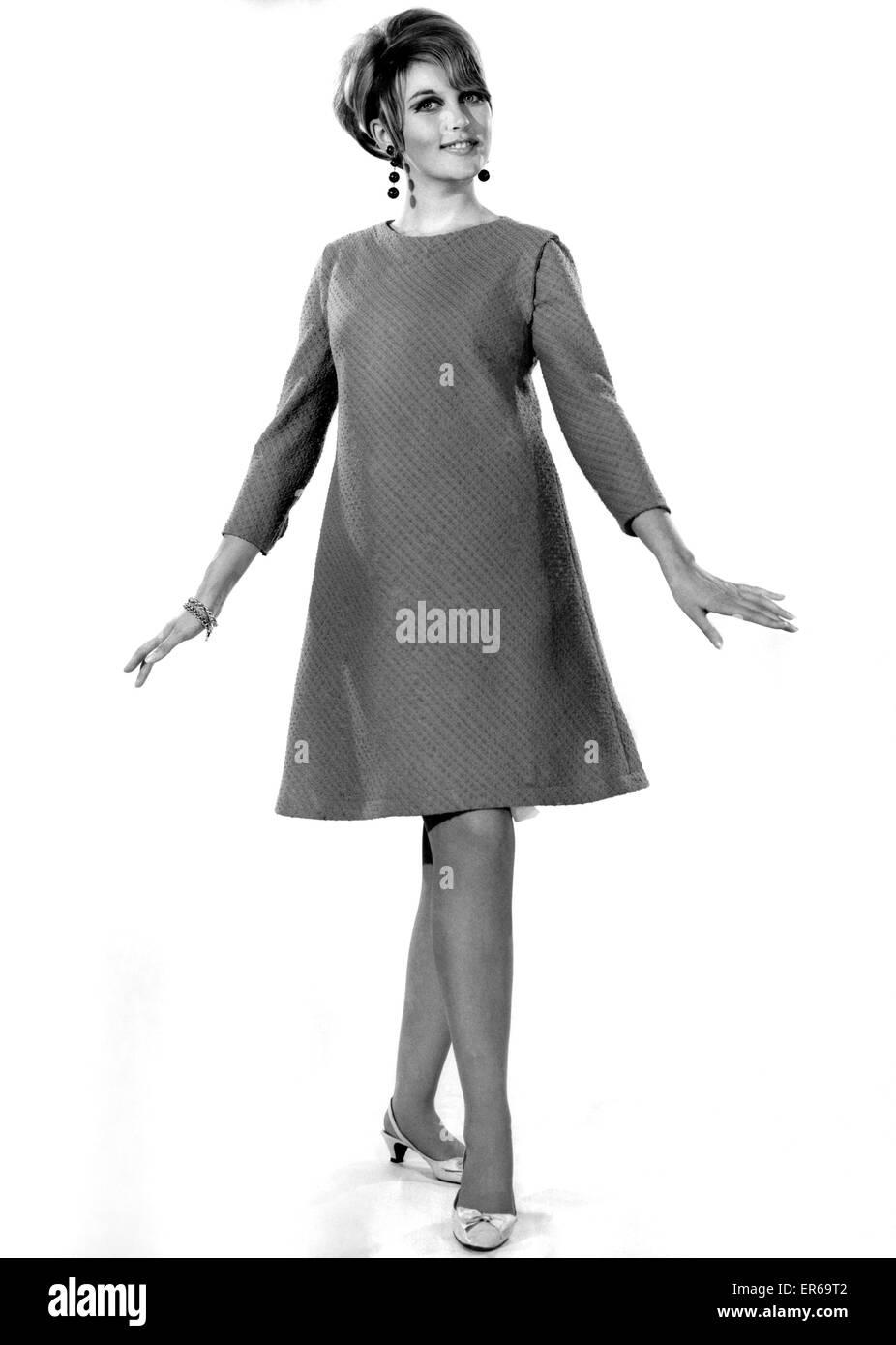 Clothing Fashion 1966: Model Delia Freeman. December 1966 P021426 - Stock Image